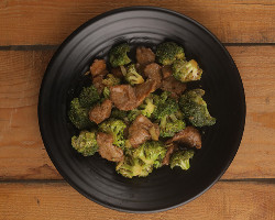 Beef with Broccoli & Garlic