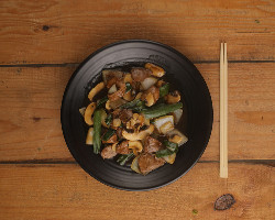 Beef With Mushroom and Bamboo Shoots